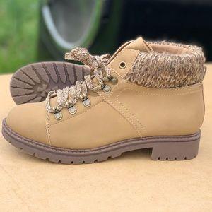 Memory Foam Adjustable Women's Tan Hiker Boot New